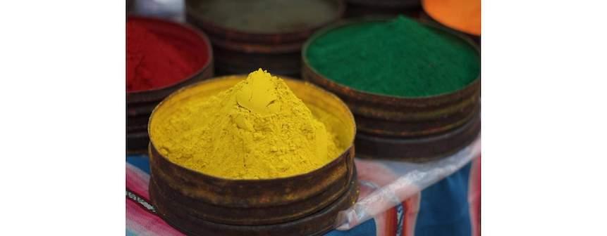Tintes y colorantes naturales con plantas medicinales, frutas y especias